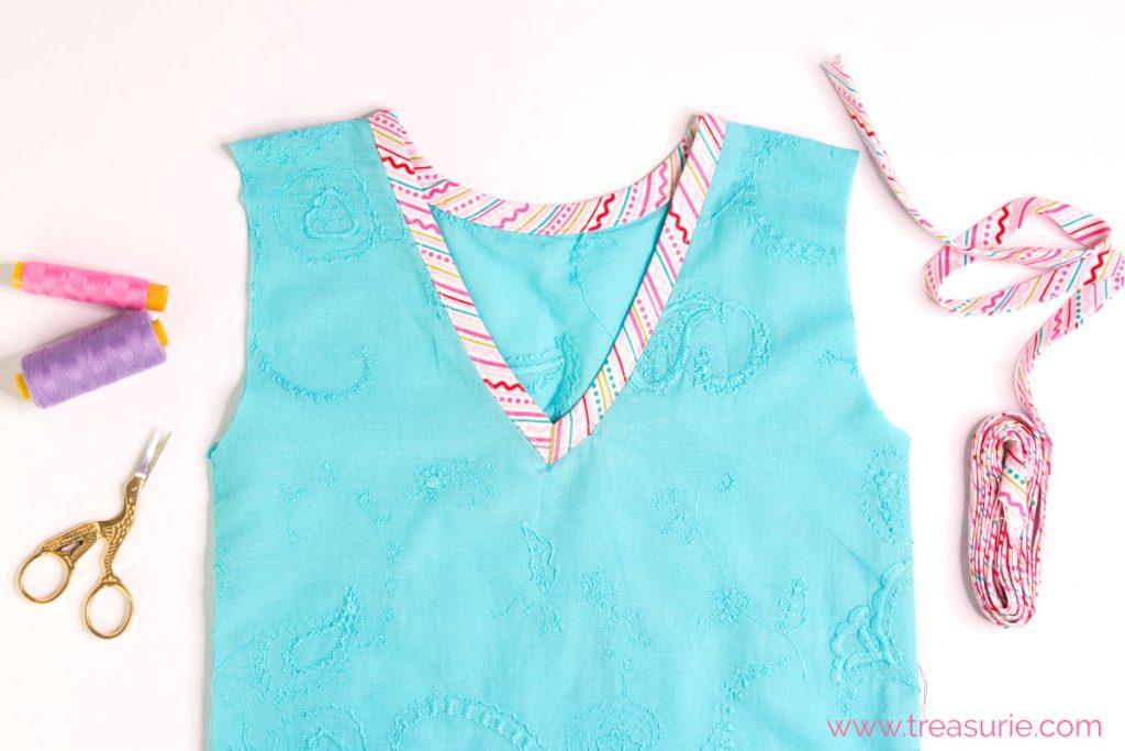 how to sew a v neck bias