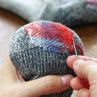 how to darn a sock